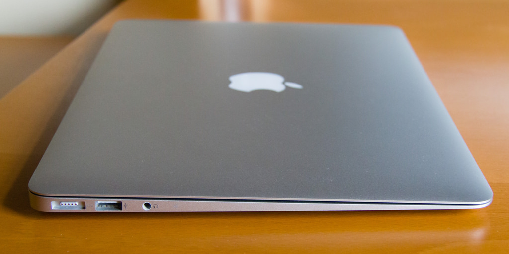 limpieza fisica y reparacion macbook air