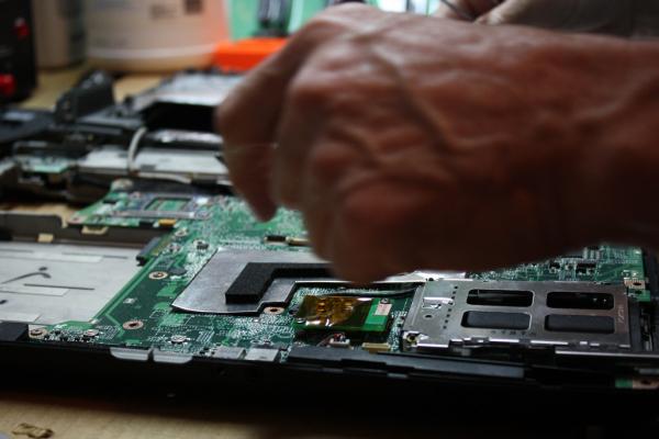 Refacciones y partes de Laptops HP